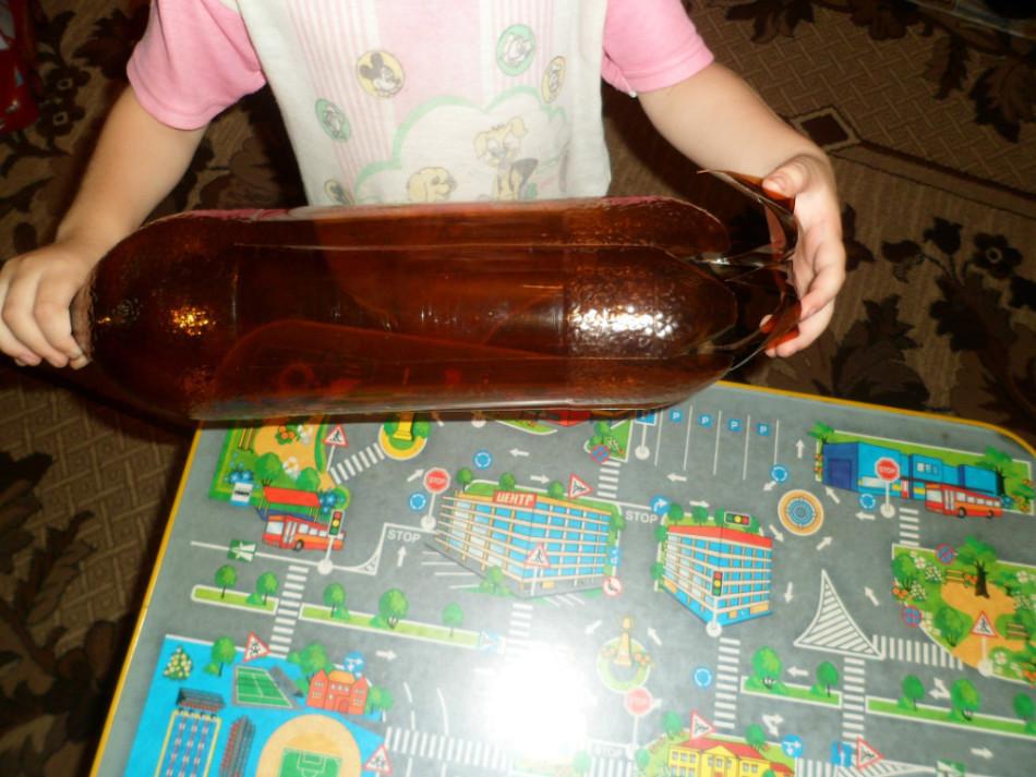 Вот такие бутылки пригодятся для изготовления ствола для пальмы из бутылок