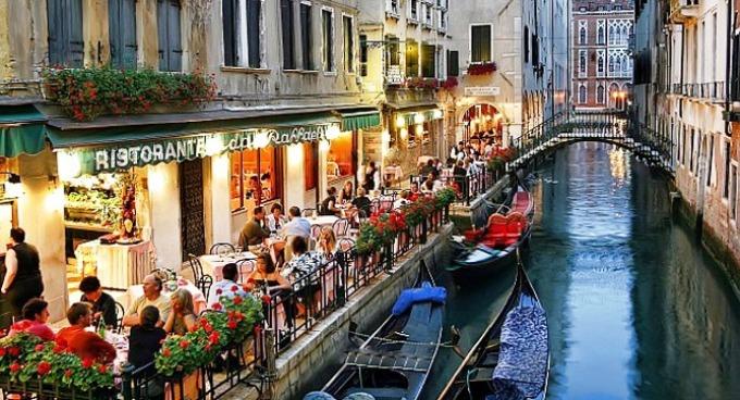 dirbti namuose venecijoje