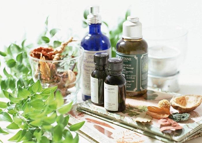 Aromatična kupka s eteričnim uljima. Ulje za kupanje