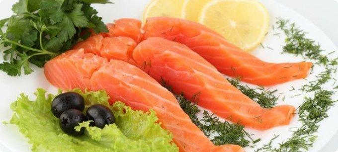 Сервировка красной рыбы при подаче на стол