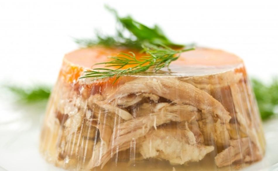 Trong máy làm lạnh thịt, gelatin được thêm vào nhất là.