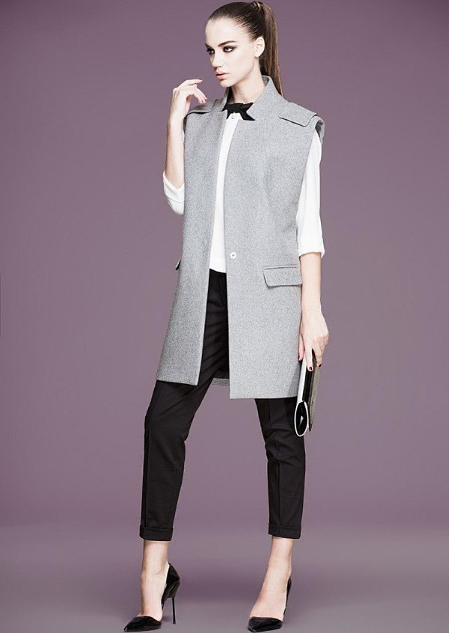 Әйелдер көлігі костюмдер мен джакард матадан жасалған кеңейтілген куртка: фотосурет