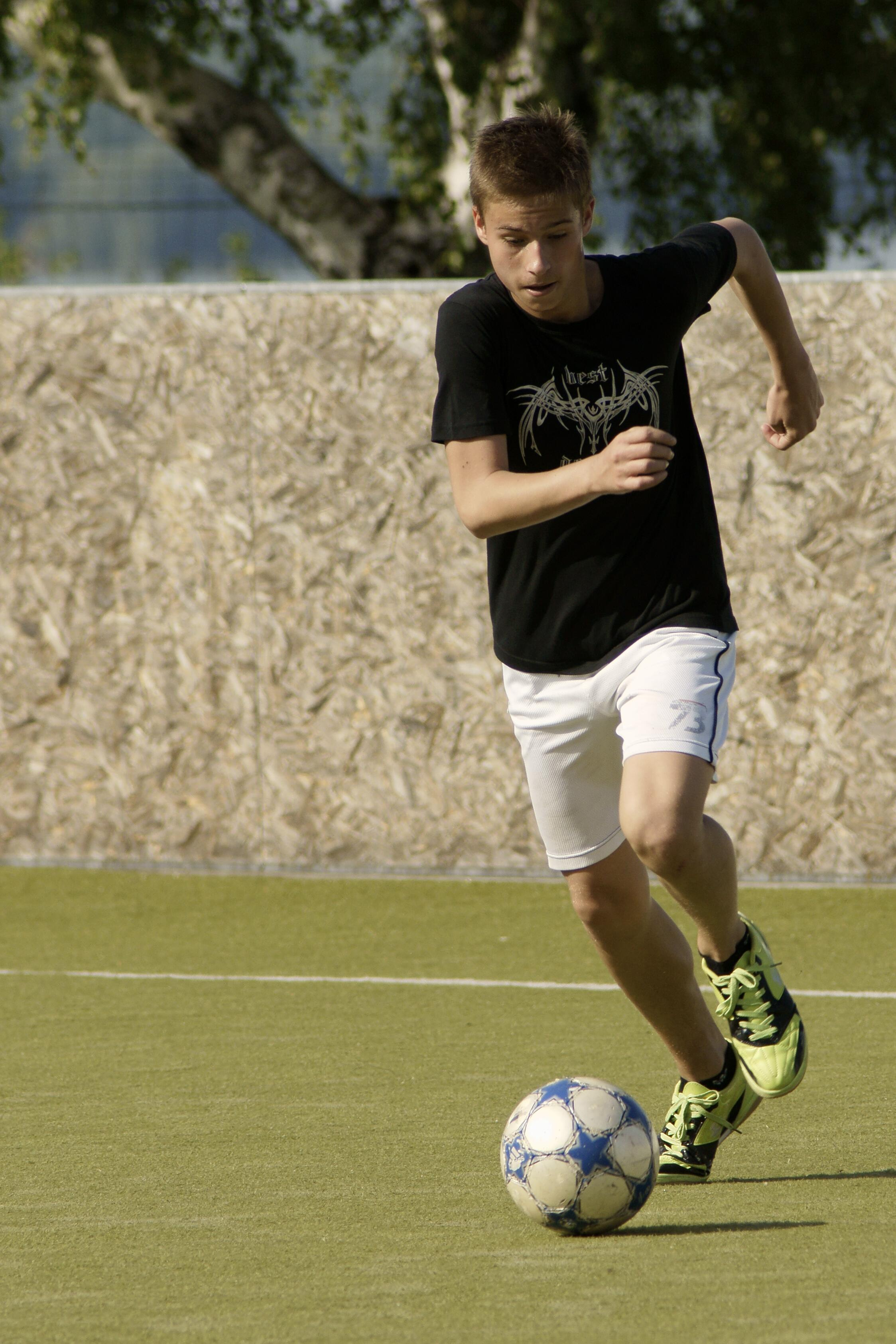 NEWS - Football Head Injuries - Head2Toe Physio