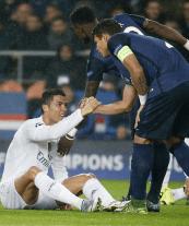 Silva helps Cris
