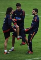 Cesc+Fabregas+Gerard+Pique+Spain+Training+ERBSLNFhKK0l