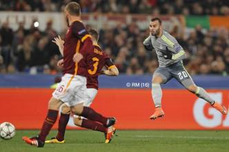 Jese takes his shot