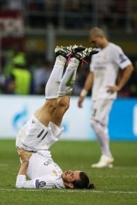 Bale stretching