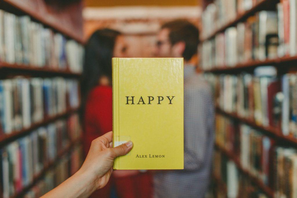 tabletka na szczęście - książka happy - biblioteka