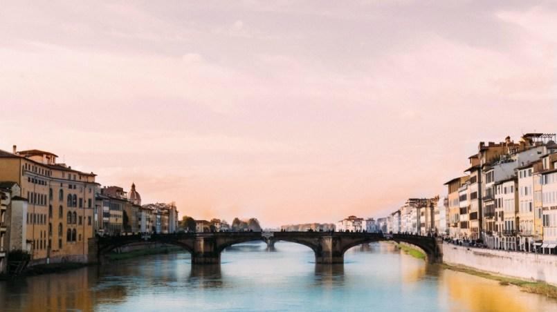 Poszerz horyzonty - celibat, Australia, gry w szkole - piękny most