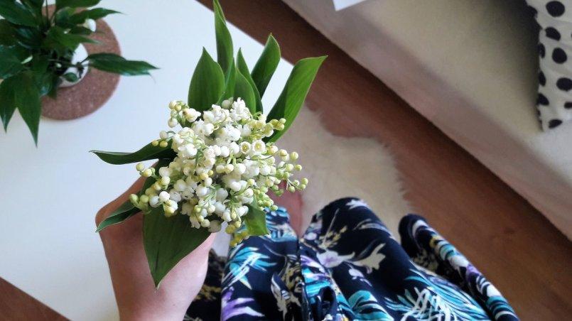 konwalia majowa i skrzydłokwiat - o tym jak kawa pomogła mi polubić rośliny