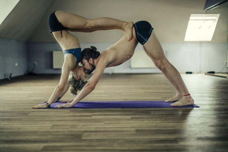 Йога: 5 упражнений для стимуляции либидо