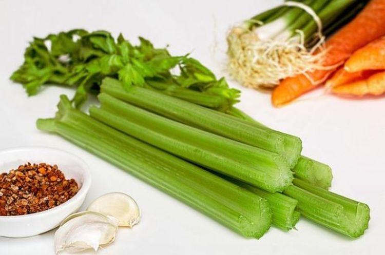 О фруктах и овощах, которые могут быть опасны для нашей фигуры и здоровья
