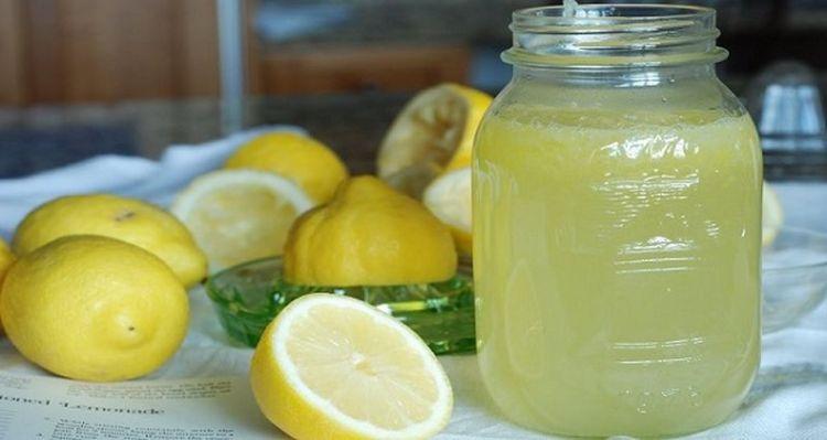 Выводим токсины, худеем и заряжаемся энергией одновременно: 3 рецепта оздоровительных напитков