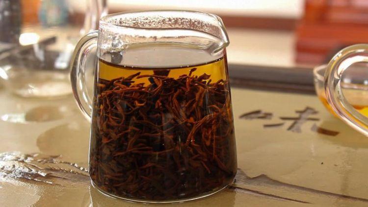 Защита красоты от свободных радикалов и отечности: чаи для здоровой и сияющей кожи лица