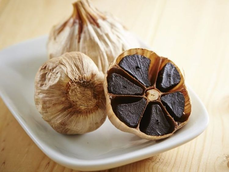 Черный чеснок: не только уникальный аромат для блюд, но и действенная защита от рака