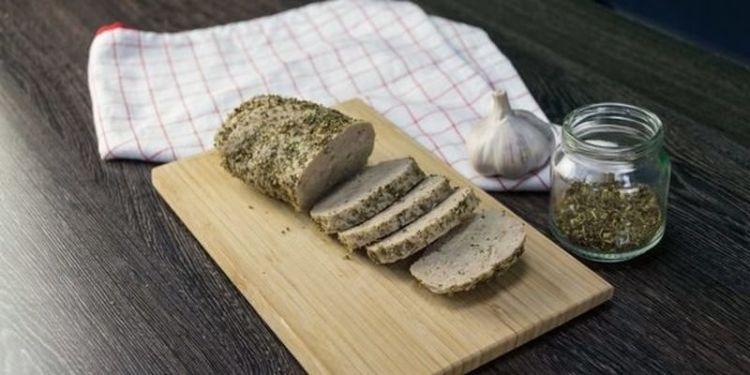 «Голая» домашняя колбаса: аппетитно, вкусно и совсем не стыдно