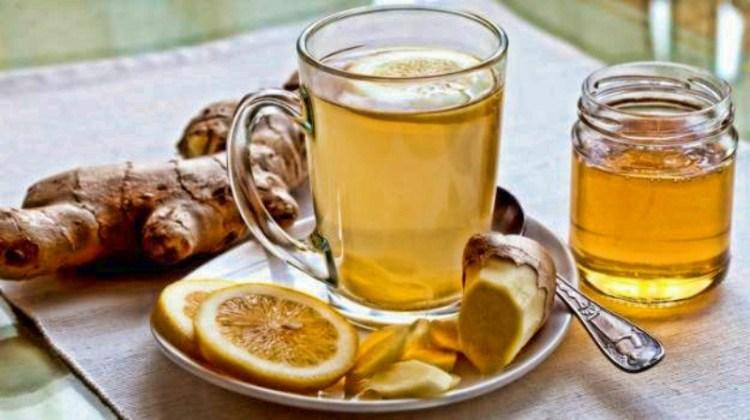 Чтобы в горле не щекотало: теплые напитки против кашля