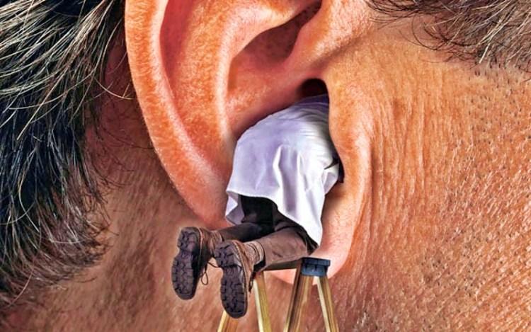 Только не ватной палочкой: как в домашних условиях удалять серные пробки в ушах