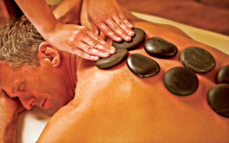 Массаж горячими камнями: сплошная польза для вашего здоровья