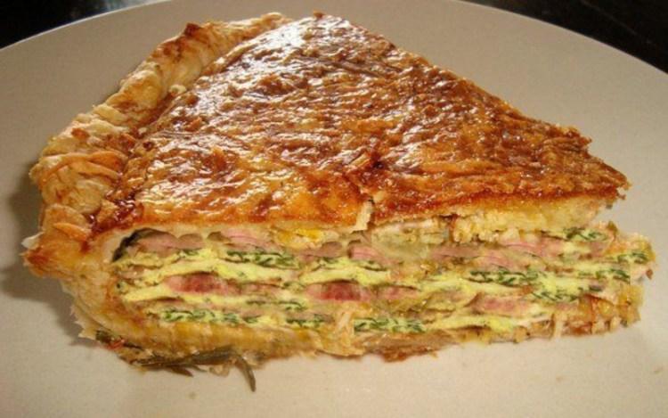 Чтобы муж любил и лелеял: готовим питательный пирог «Галета» на слоеном тесте
