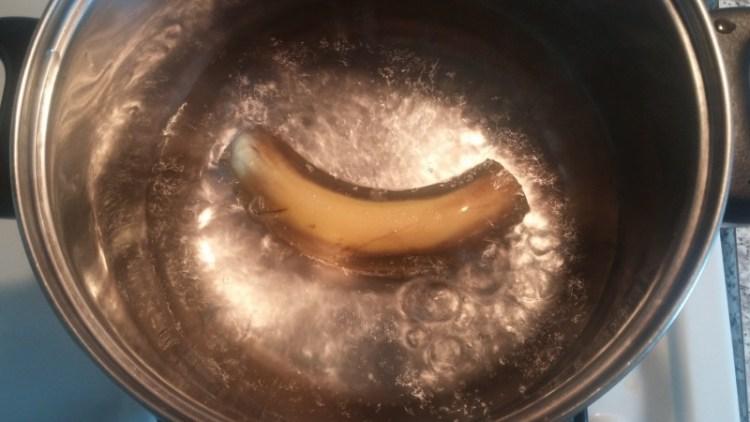 Чай из банана и корицы перед сном