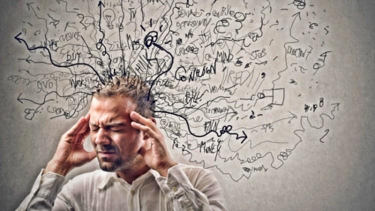 Если мозг устал от негатива, перенесите его на бумагу: действенное упражнение на 8 минут