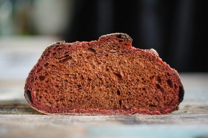 Свекольный хлеб на пшеничной закваске: вкусный рецепт домашней выпечки
