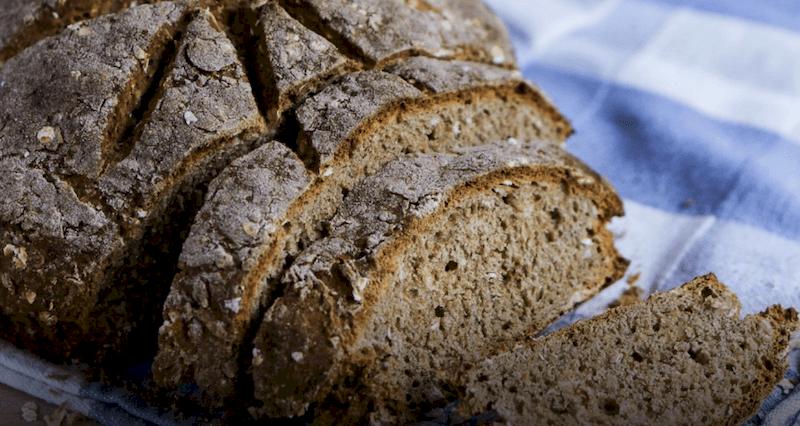 Любителям домашней бакалеи: цельнозерновой хлеб с овсянкой