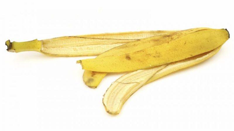 Банановая кожура от синяков и ушибов