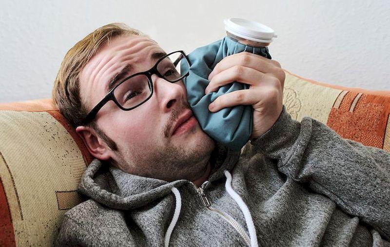 Зубная боль и 6 простых домашних способов от нее избавиться