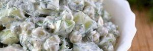 Вкуснейший салат «Леди»: с курицей и сметаной для праздничного настроения