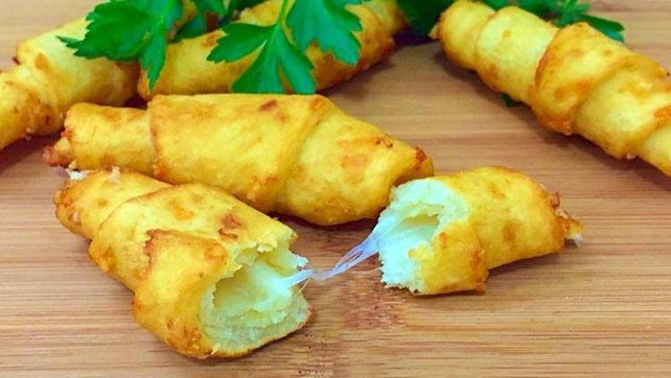Сытное блюдо из картофеля: как приготовить рогалики по необычному рецепту