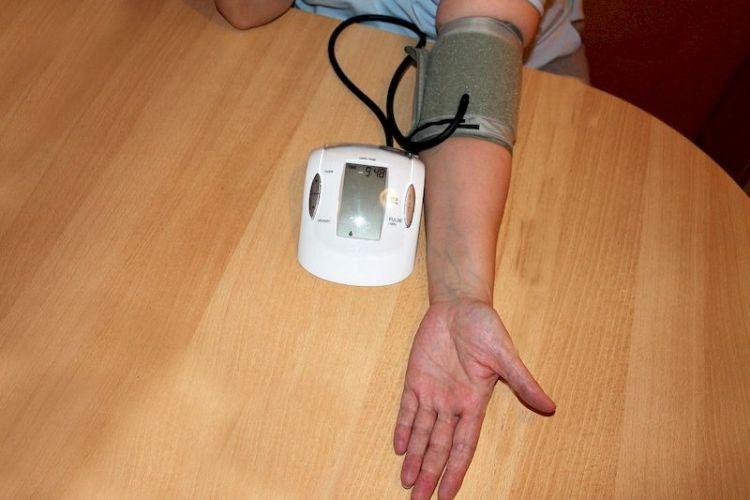 Как высокое и низкое артериальное давление влияет на здоровье человека