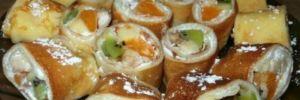 Блинные роллы с фруктово-творожной начинкой: вкусный рецепт вашего праздника