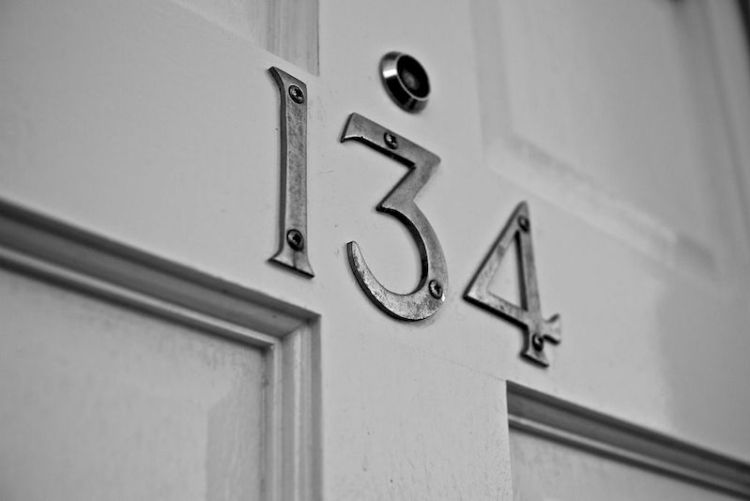 Как номер квартиры влияет на ваше самочувствие и достижение целей