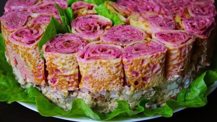 """Блинный салат на праздник """"Букет роз"""": так когда-то готовили только богини"""