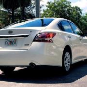 Reviewing The Nissan Altima Headlights