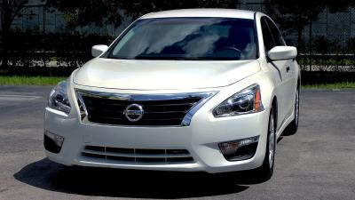 The Benefits of Upgrading Your Nissan Altima Headlights
