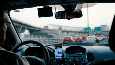 X Essential Car & Driving Apps to Have on Your Smartphone