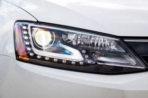 volkswagen jetta headlight bulb