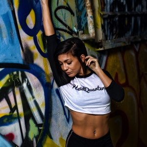 Crop-Top Raglan Logo Tee Black