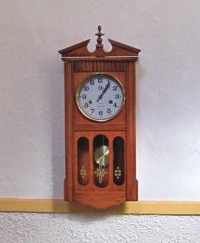 Short case clock