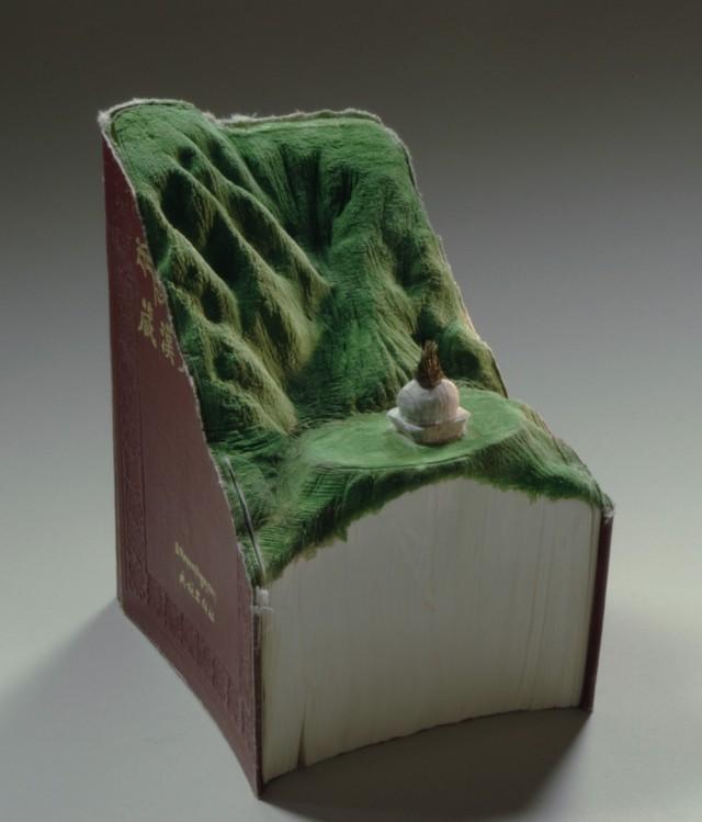book-4-640x749