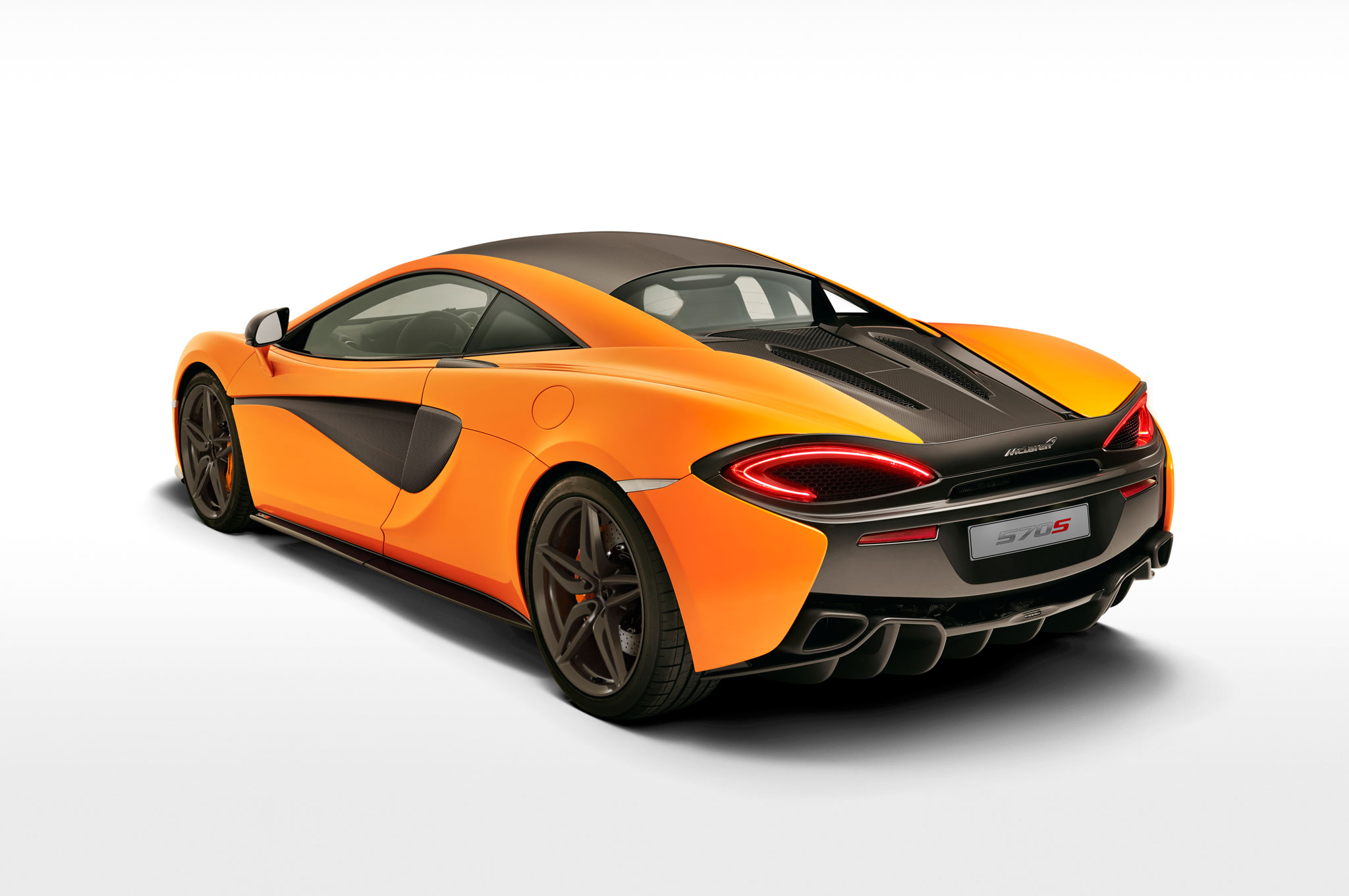2016-Mclaren-570S-rear-three-quarter