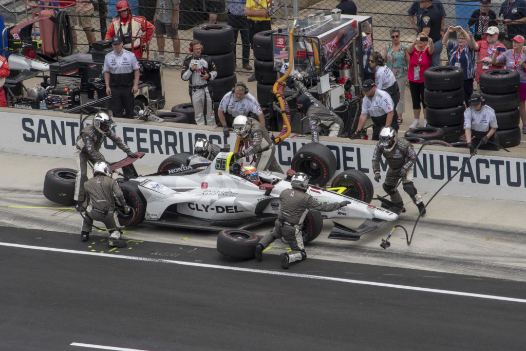 Pitstop during Indianapolis 500 for Santino Ferrucci