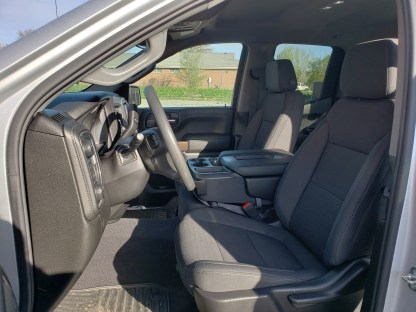 2019 - 2021 Chevy/GMC 40/20/40 with Opening Console and Non-Opening Middle Bottom Seat Covers