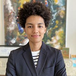 portrait of Alina Augustin