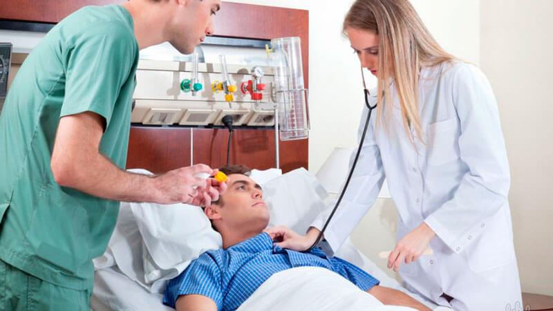 симптомы инсульта у мужчины