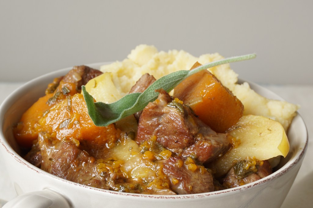 lamb stew with apples and ginger {AIP}