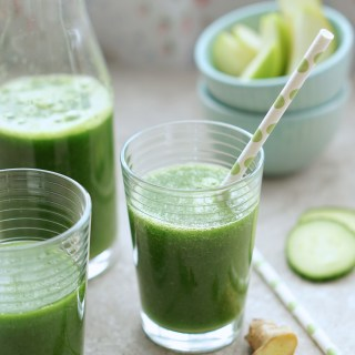 Green Detox Smoothie {HFE}
